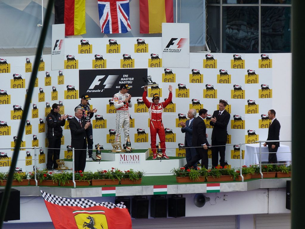 1280px-Formula_1_Hungarian_Grand_Prix_(11)
