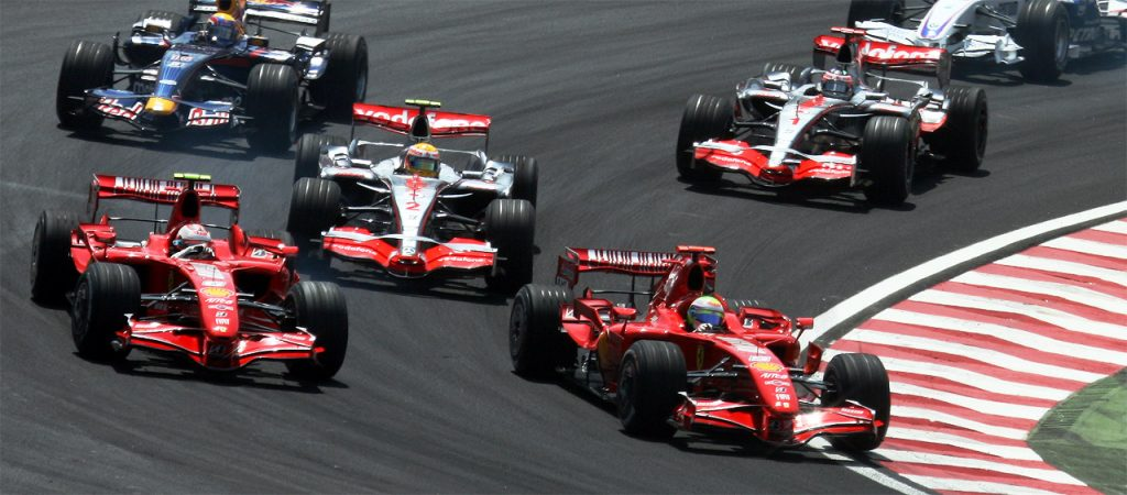 2007_Brazilian_GP_4_drivers_at_start