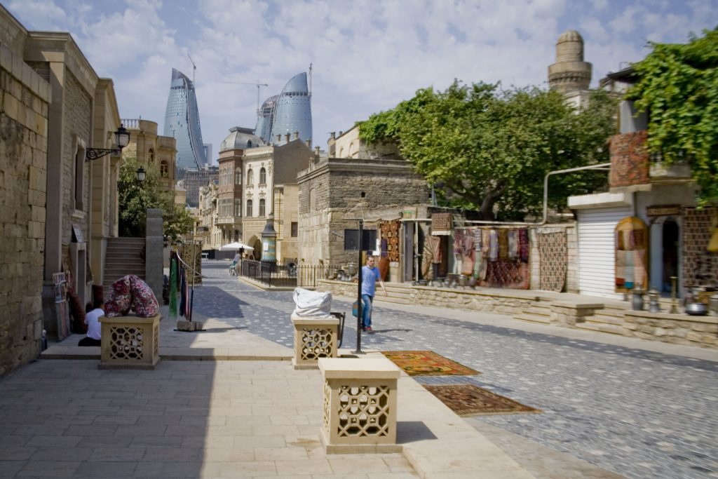 Old_and_new_Baku