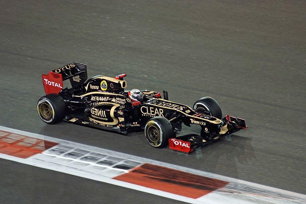 1024px-2012_Abu_Dhabi_GP_Winner