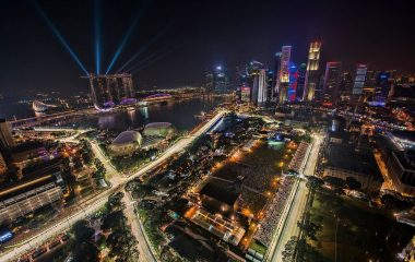 1280px-1_singapore_f1_night_race_2012_city_skyline